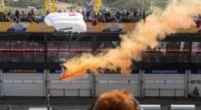 Afbeelding: Bandenstapels in brand gezet bij Circuit Zandvoort door 'scooterjeugd'