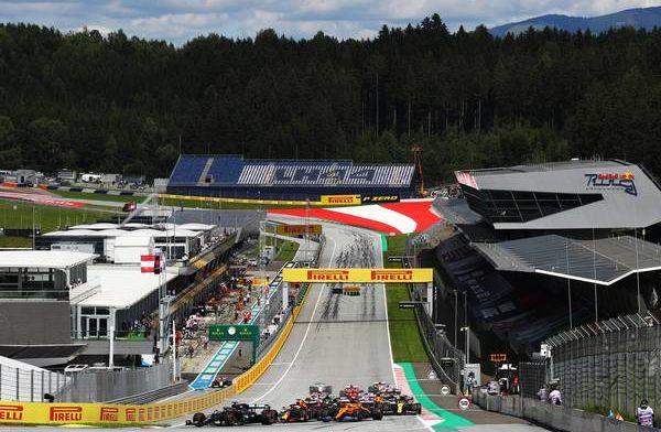 Rapportcijfers teams: Ferrari zakt door het ijs, Mercedes glansrijk bovenaan