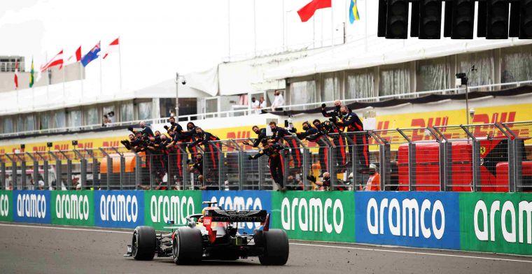 Brundle: Enkel wonderbaarlijke talent Verstappen kan Mercedes problemen bezorgen