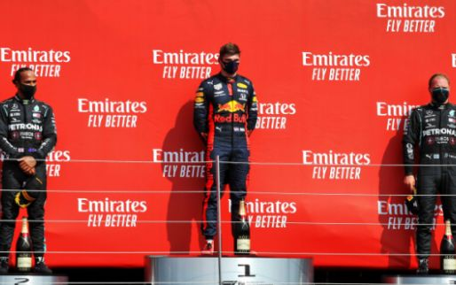 Hamilton takes Verstappen's trophy with him after podium ceremony!