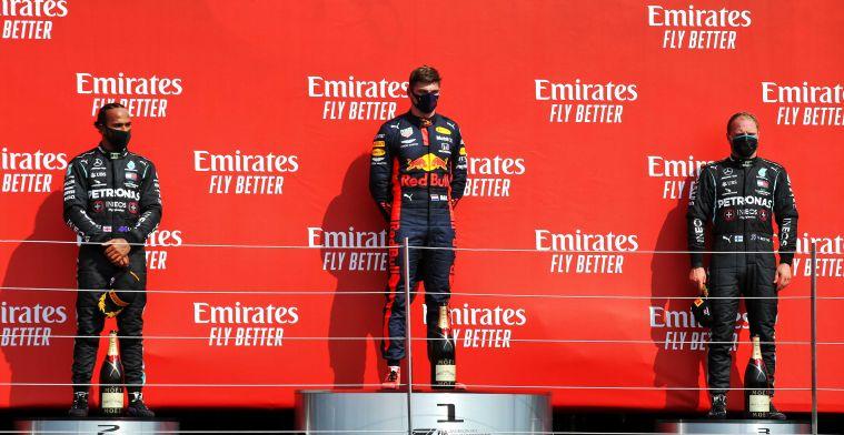 Hamilton neemt beker Verstappen mee na podiumceremonie