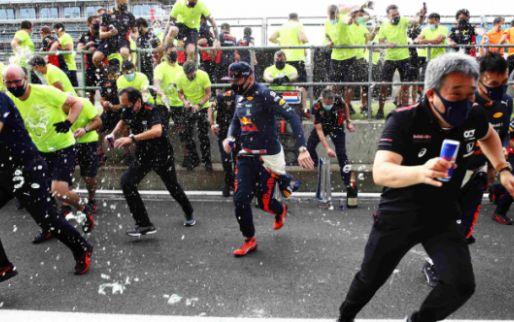 Zo vierde Verstappen samen met Red Bull zijn overwinning op Silverstone!