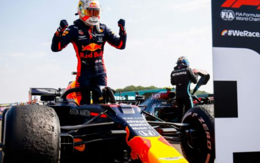 Rosberg kritisch op Verstappen: ''Ik dacht dat hij zijn banden kapot zou maken''