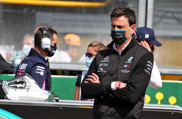 Wolff weet nog weinig over gat naar Red Bull: Iedereen was aan het leren toen