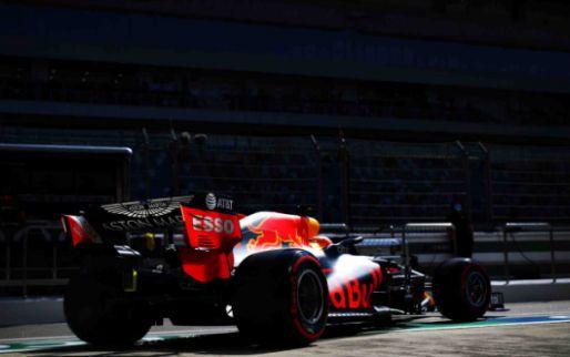 Mercedes domineert VT3, Verstappen niet blij met zichzelf en Albon op P19