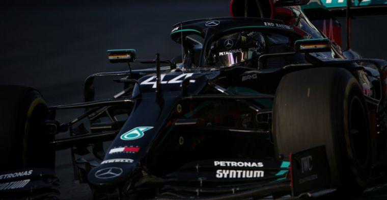 Hamilton genoodzaakt binnen te blijven bij rode vlag: Onze motor kan dat niet