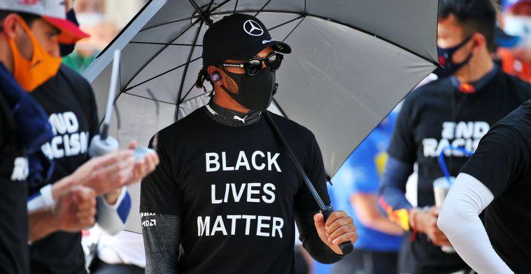 Hamilton ontloopt maar net een race schorsing na dubbele straf in Sochi