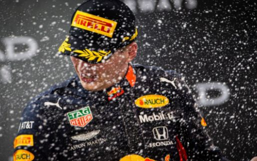 Internet 'hekelt' Nederlandse fans na 'Driver of the Day award' voor Verstappen
