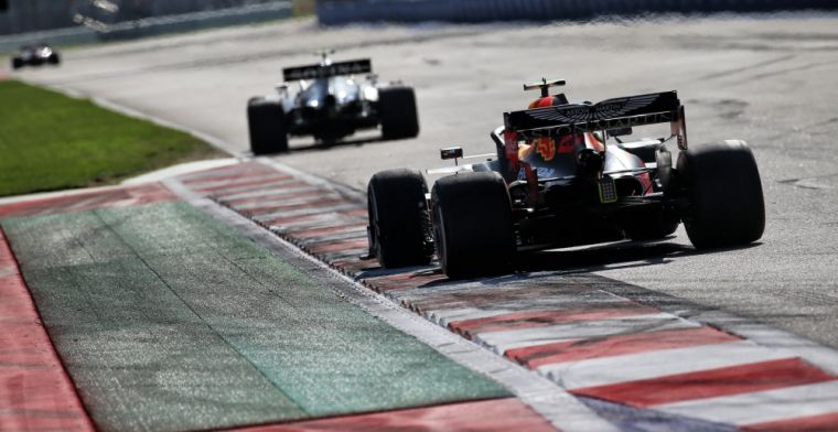 Standings constructors championship: Mercedes running away with it