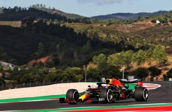Uitslag VT1 Portugal: Mercedes bovenaan, Verstappen maakt top drie compleet