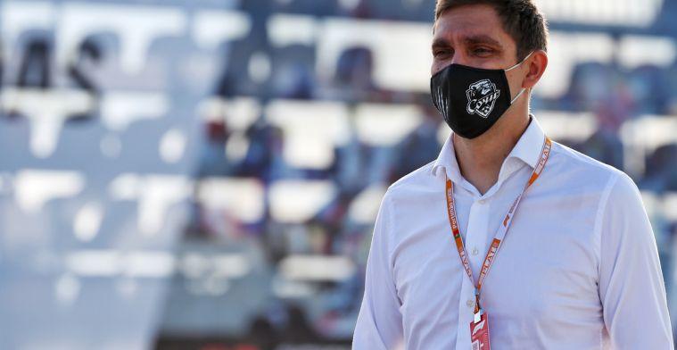F1 steward Petrov trekt zich terug na moord op vader Alexander