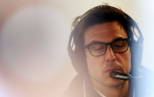 Wolff stands squarely with Red Bull: