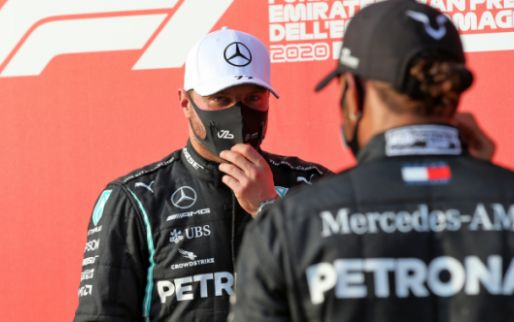 Hamilton defends Mercedes teammate: