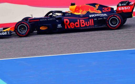 Mercedes domineert saaie eerste vrije training met spinnnende Verstappen op P6