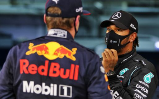 Verstappen praat met Hamilton na over 2021-banden: 'Dacht dat ik het lastig had'