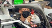 Afbeelding: Mondkapje kan grijns Grosjean niet verhullen als hij weer in de Haas stapt