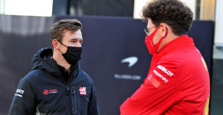 Nog meer Ferrari-personeel naar Haas om te voldoen aan budgetcap