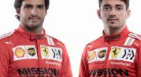 Afbeelding: In beeld | De nieuwe helmen en overalls van Leclerc en Sainz bij Ferrari