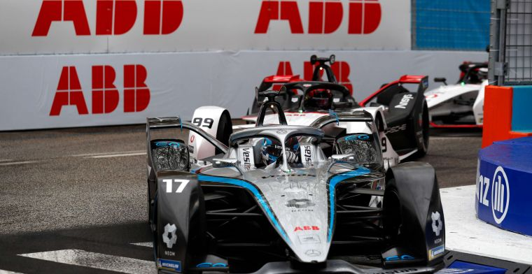Cassidy sets the pace in wet free practice for Rome ePrix