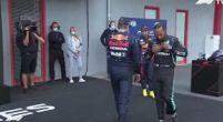 Afbeelding: 'Bodycheck' tussen Verstappen en Hamilton in Parc Ferme na kwalificatie Imola