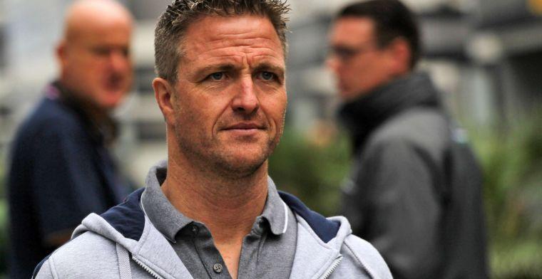 """Schumacher omschrijft acties van Verstappen en Hamilton als """"opmerkelijk"""""""