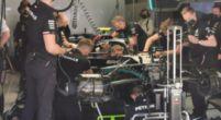Afbeelding: Problemen in de pits bij Mercedes, monteurs druk aan het sleutelen