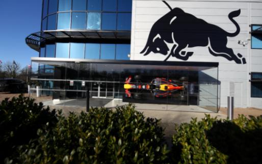BREAKING: Red Bull haalt nog meer personeel weg bij Mercedes