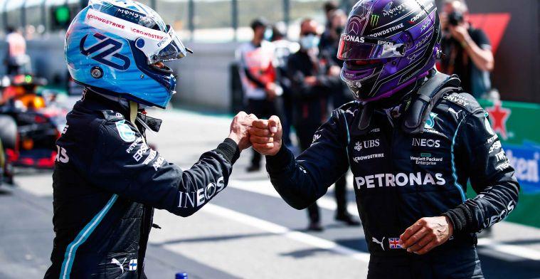 Hamilton neemt het op voor Bottas: 'Mensen moeten hem een pauze gunnen'