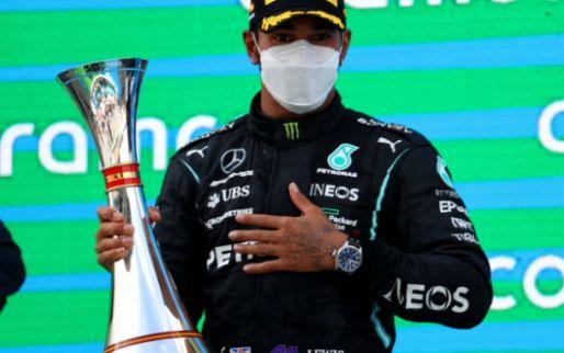 Hamilton vindt Verstappen niet agressiever: 'Daar hebben we performance verloren'