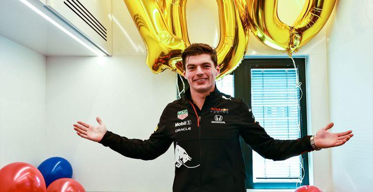 Red Bull verrast Verstappen met 100 ballonnen voor 100 races met het team