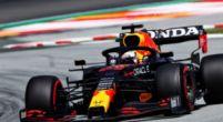 Afbeelding: Verstappen pakt direct de leiding af van Hamilton bij de start in Spanje