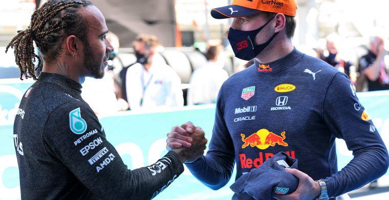 Alonso geniet van 'aanvallende' Verstappen: 'Voor mij is hij de beste coureur'