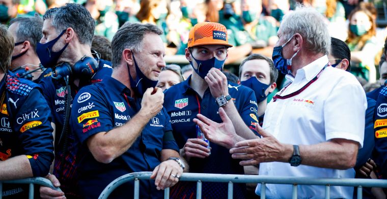 Verstappen reageert scherp op Hamilton: 'In zijn auto ga ik twee tienden sneller'