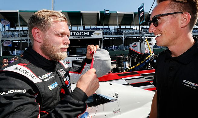 Magnussen achieves his first successes in America, together with Van der Zande