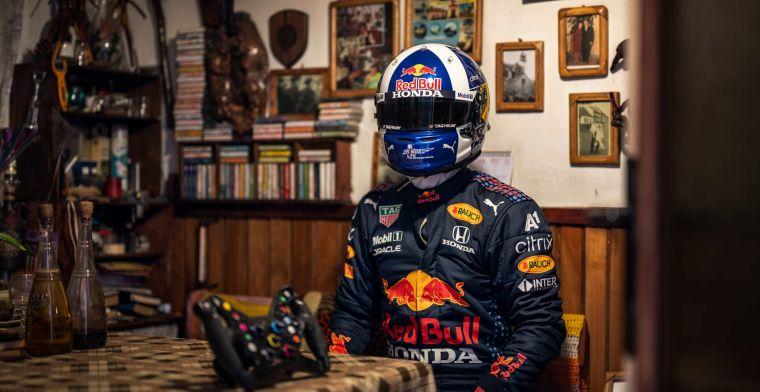 F1 Social Stint   Red Bull en Coulthard maken zich op voor de road trip