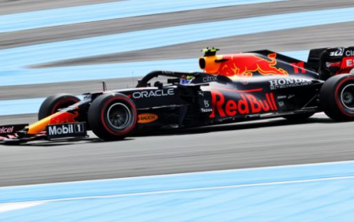 Red Bull baalt op teamradio: 'Het lijkt zo'n enorme straf'