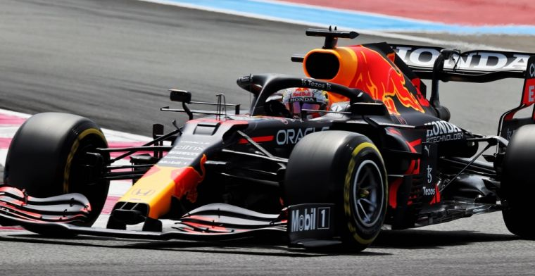 Volledige uitslag VT2: Verstappen nipt sneller dan Mercedes