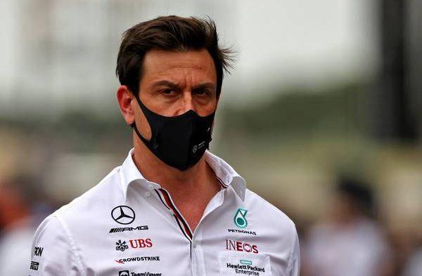 Wolff ziet indrukwekkende ronde Verstappen: Ze rijden fenomenale outlaps