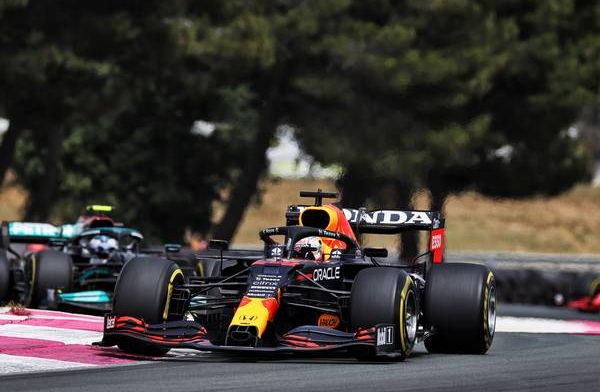 Rosberg sees unusual move from Hamilton during Verstappen overtake