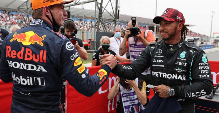 Brundle points to Mercedes' mistakes: 'It looked like they had the advantage'