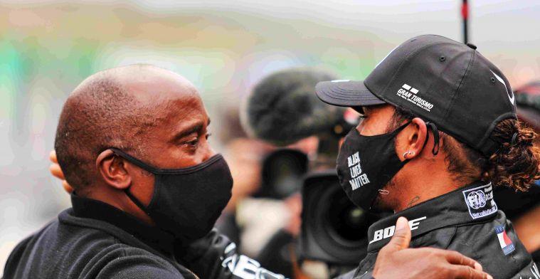 Vader Hamilton doet duit in het zakje: Dit is een race-incident
