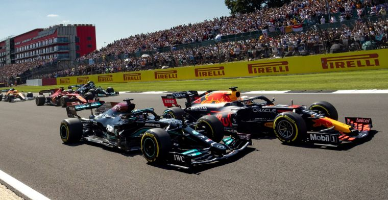 Ex-driver on incident: Hamilton gave Verstappen everything he had