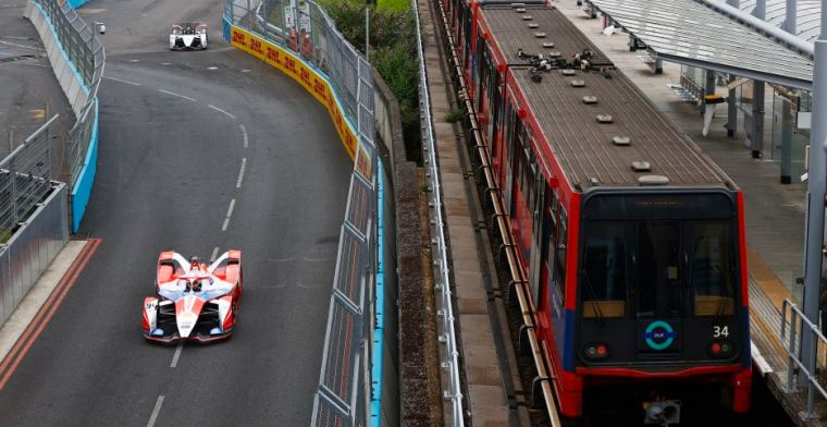 Dennis drives to victory in London, leaving Lynn and De Vries to follow