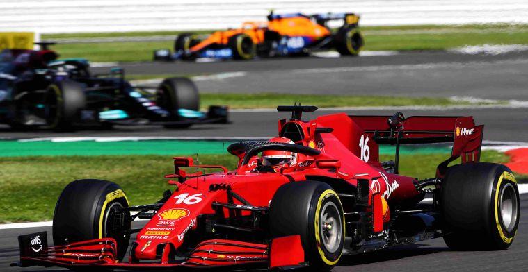 Sainz maakt indruk bij Ferrari: 'Hij heeft ons op dat gebied veel geleerd'