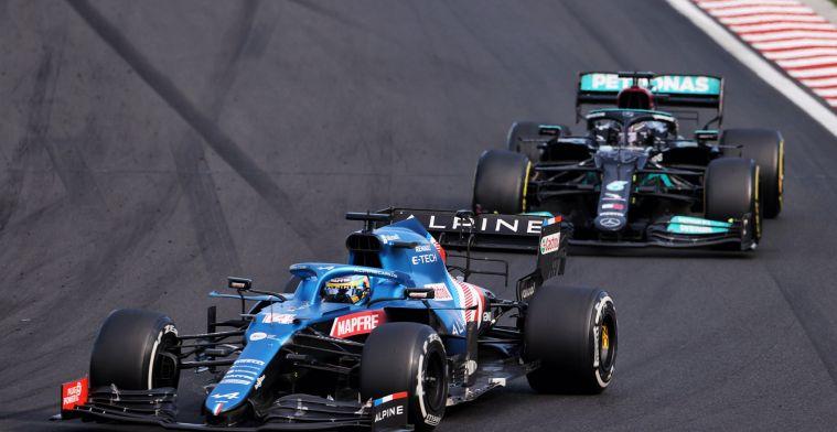Alonso over Mercedes en Red Bull: 'Alles is nog redelijk hetzelfde'