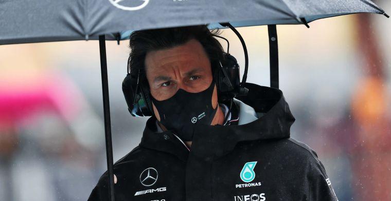 Wolff ontstemd over de FIA: 'Gaan zo naar de stewards voor uitleg'