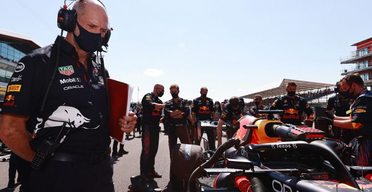 Newey extends contract with Red Bull despite Aston Martin rumours