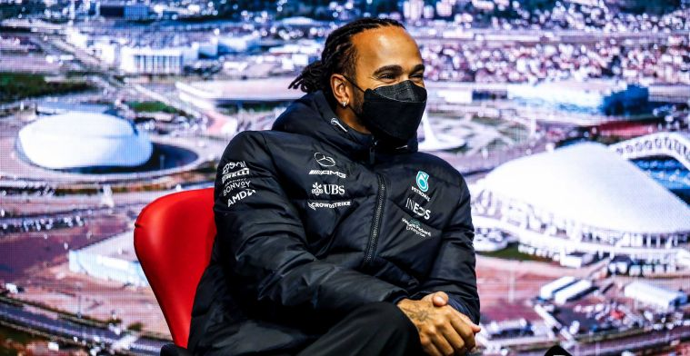 Hamilton sees downside to Verstappen: 'I was like that myself in my first year'.