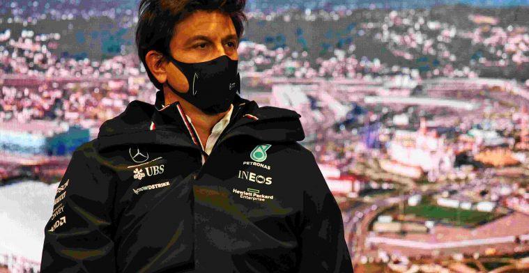 Mercedes: 'Nog niet zeker dat Hamilton vierde motor en gridstraf krijgt'