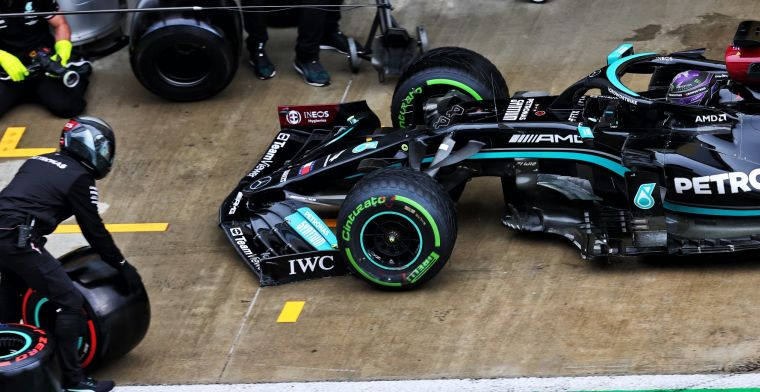 'De twee Mercedes-wagens en Red Bull zullen ons flink onder druk zetten'
